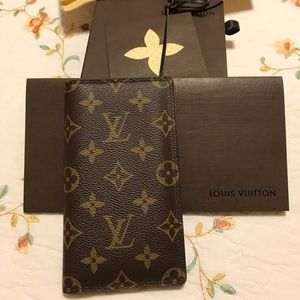 Authentic Louis Vuitton checkbook cover